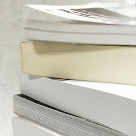 大量ページを一気にまとめることができる無線綴じ冊子