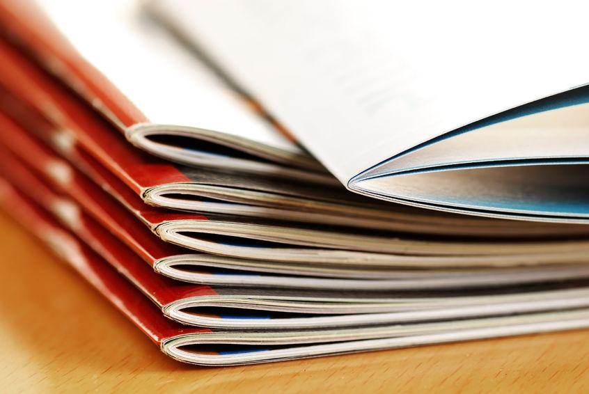 情報誌の印刷費用はどのくらい?製本や紙はどうすればいい?