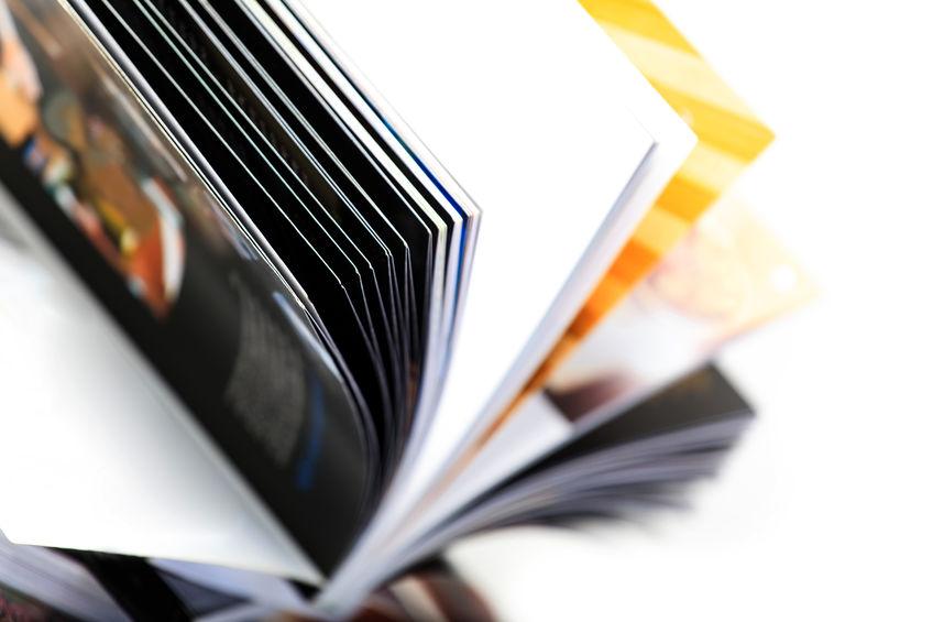 図録を作るのに料金はどのくらいかかる?パターン別・印刷費用の目安