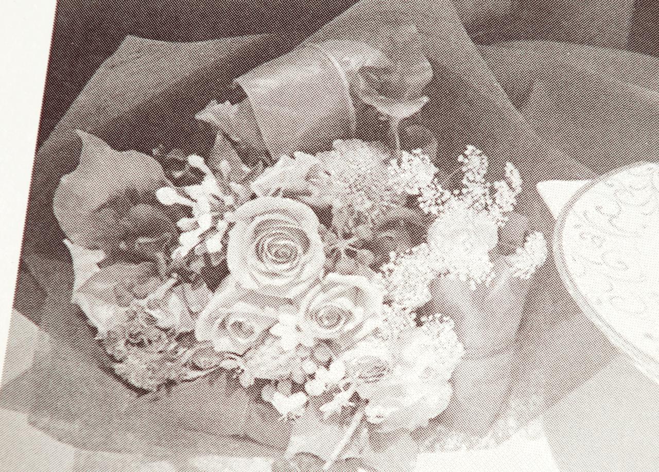 オンデマンド印刷と中綴じ製本で作成した小冊子(歌集)の作成事例で、印刷品質がわかる画像です。