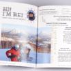 オンデマンド印刷と無線綴じ製本で作成した小冊子(ZINE)を開いた本文の見開きデザインがわかる画像です。
