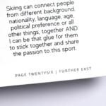 オンデマンド印刷と無線綴じ製本で作成した小冊子(ZINE)の本文にあるノンブル(ページ番号)の紙面上の位置と文字の大きさを紹介する画像です。